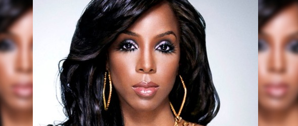 Kelly Rowland Accidentally Unleashes Her Breasts During Concert