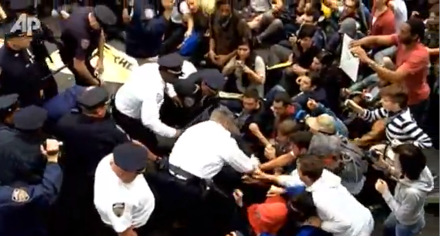 700 Occupy Wall Street Protesters Arrested On Brooklyn Bridge (VIDEO)