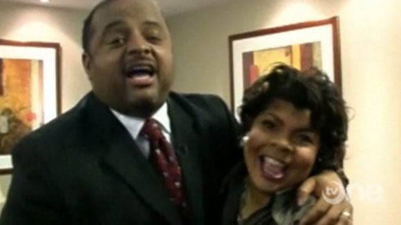 THE BLACK ROOM: Welcome To The Roland Martin Salon On The Set Of Washington Watch (VIDEO)